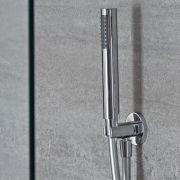 Ronde Handdouchehouder en - wanddoorvoer met handdouche en doucheslang