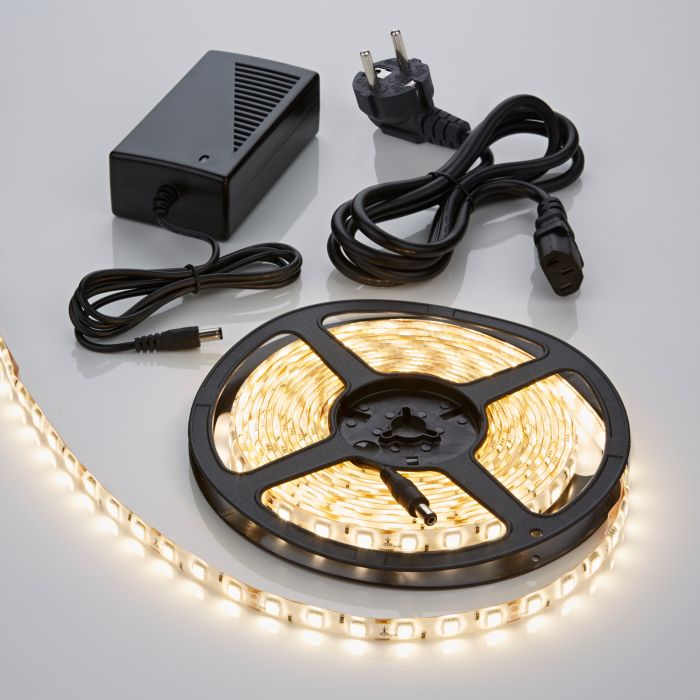 IP65 5050 Led Strip Verlichting Incl Driver & Kabel - 5 Meter - Warm Wit