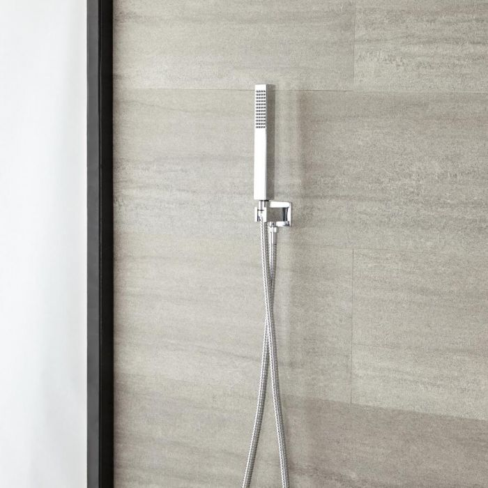 Vierkante Handdouchehouder en - wanddoorvoer met handdouche en doucheslang | Kubix